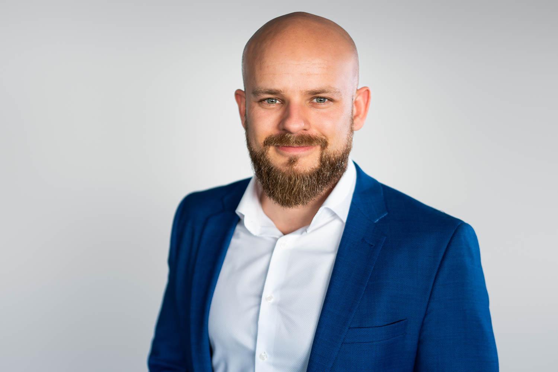 Business Portrait weißer Hintergrund
