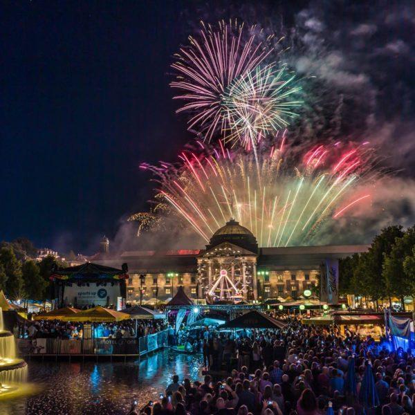 Langzeitbelichtung Feuerwerk Wiesbaden